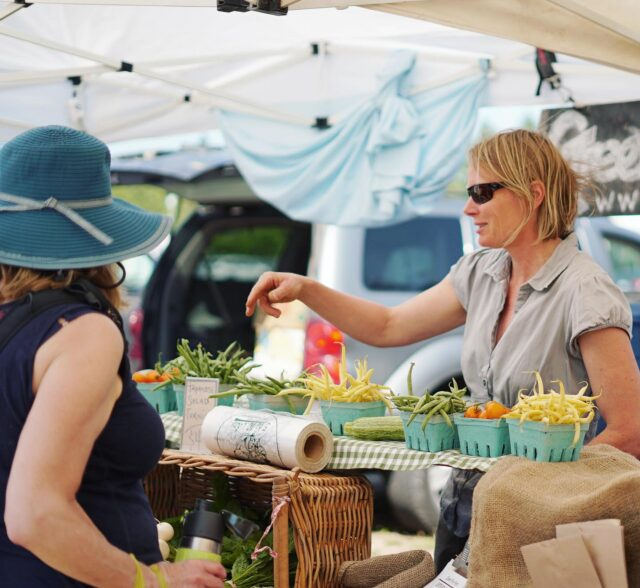 👩🌾 Calling all farmers' market vendors: Our BCAFM Vendor Membership Program application is ongoing! Enjoy our member perks such as preferred pricing and benefits for participating suppliers including @westernfinancial, @WestCoastSeeds, @FarmFoodDrink Consulting, @ediblevanisle, @ediblevancouver and @LocalLineInc! Link to more info on benefits, eligibility and how to apply in our bio. 😊  photo: #BCFarmersMarketTrail + Jess Clark   #FarmersMarketsCount #LoveMyMarket #WhyFarmersMarkets #FarmersMarkets #ShopLocal #BCFarmersMarket #BCFarmersMarkets #exploreBC #BCgrown